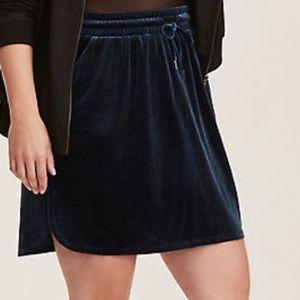 Torrid Pull On Velvet Mini Skirt NWT